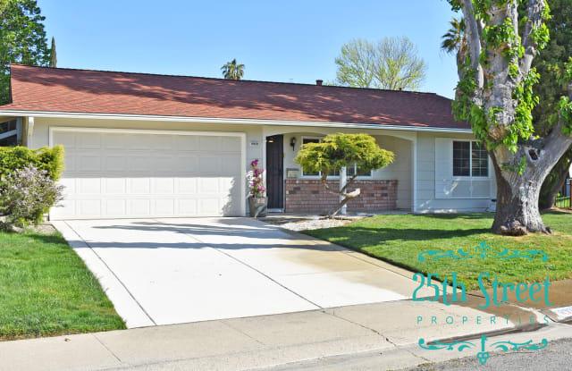 8929 Sawtelle Way - 8929 Sawtelle Way, La Riviera, CA 95826
