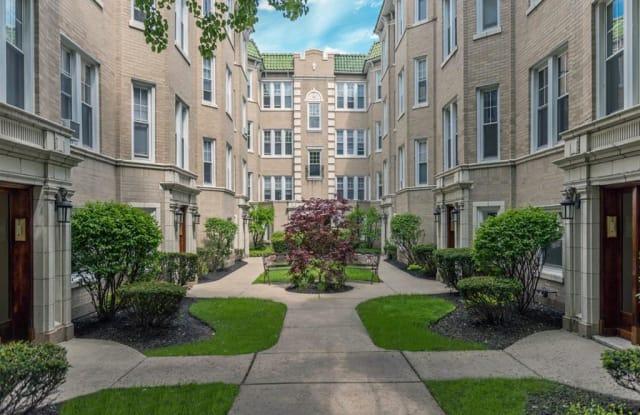 Green Manor - 4435 North Greenview Avenue, Chicago, IL 60640