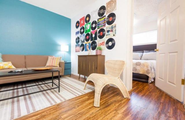 Casa 39 - 301 West 39th Street, Austin, TX 78751
