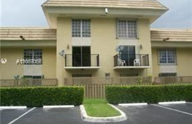 8650 SW 109th Ave - 8650 Southwest 109th Avenue, Kendall, FL 33173