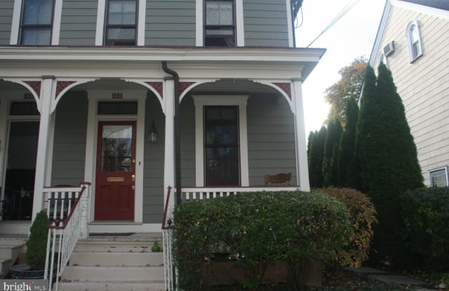 102 N CLINTON STREET - 102 North Clinton Street, Doylestown, PA 18901