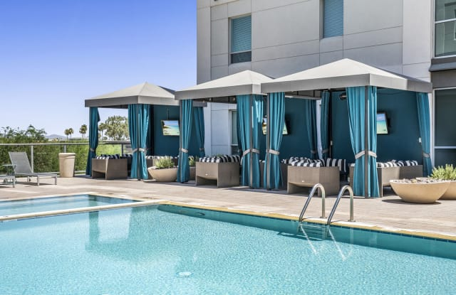 Broadstone Scottsdale Quarter - 15345 N Scottsdale Rd, Scottsdale, AZ 85254