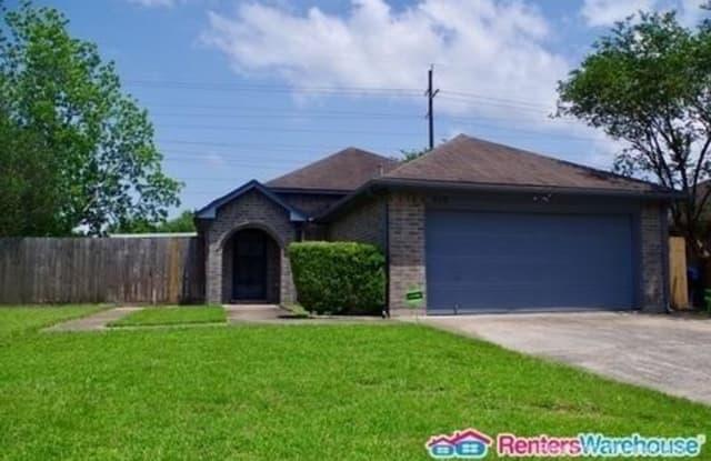 930 Moorside Ln - 930 Moorside Lane, Channelview, TX 77530