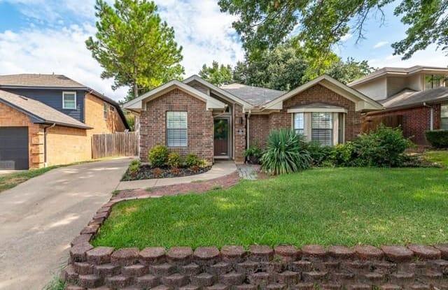1410 Mockingbird Drive - 1410 Mockingbird Drive, Grapevine, TX 76051