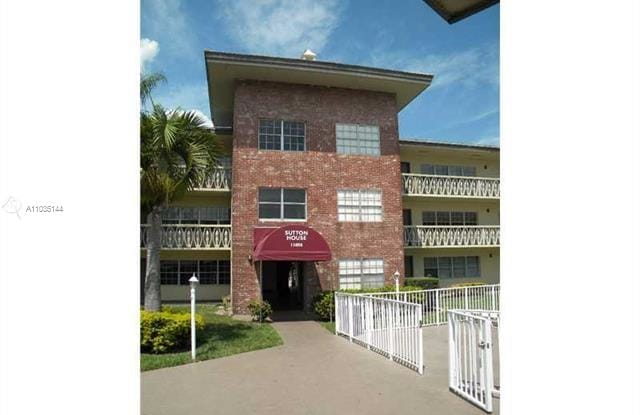 11855 NE 19th Dr - 11855 Northeast 19th Drive, North Miami, FL 33181