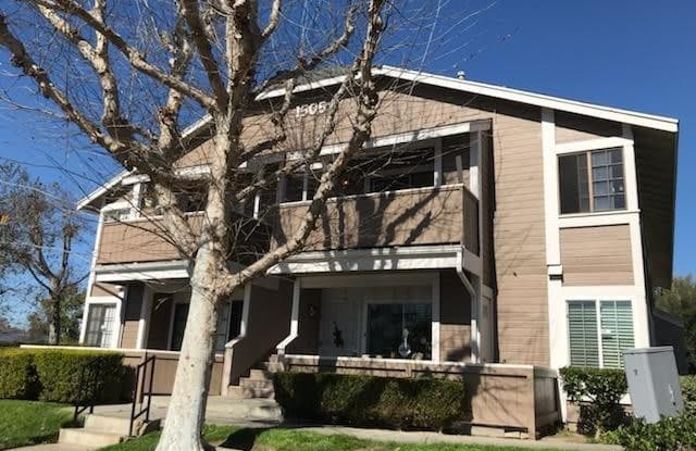1505 S RAITT Street 101E - 1505 South Raitt Street, Santa Ana, CA 92704