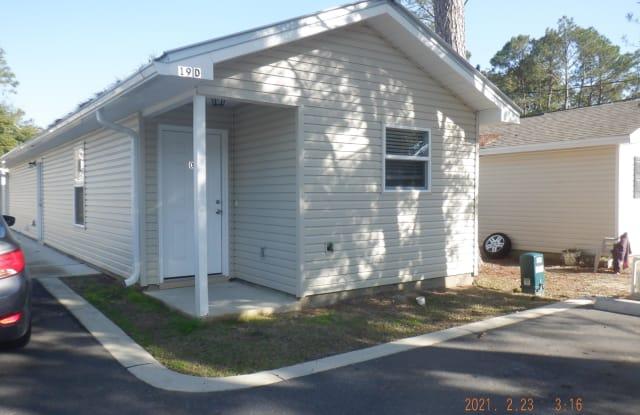 19 SE Park Circle - 19 Park Cir SE, Fort Walton Beach, FL 32548