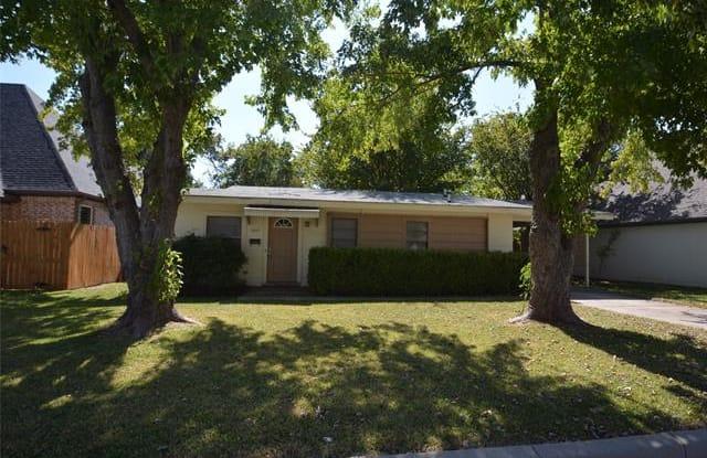 5817 Pollard Drive - 5817 Pollard Drive, Westworth Village, TX 76114