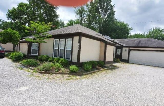 307 Schrock Rd - 307 Schrock Road, Worthington, OH 43085