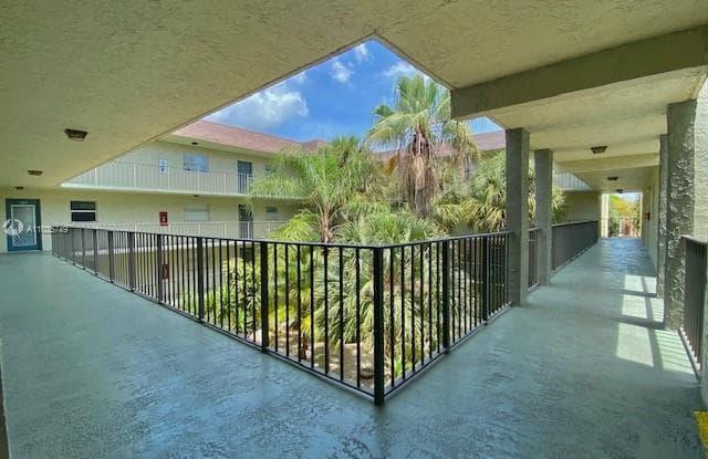 1830 N Lauderdale Ave - 1830 N Lauderdale Ave, North Lauderdale, FL 33068