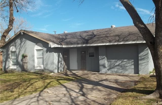 704 Catherine Lane - 704 Catherine St, Seagoville, TX 75159