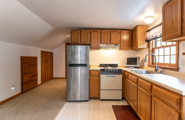 391 New Boston Road - 391 New Boston Rd, Rockingham County, NH 03034