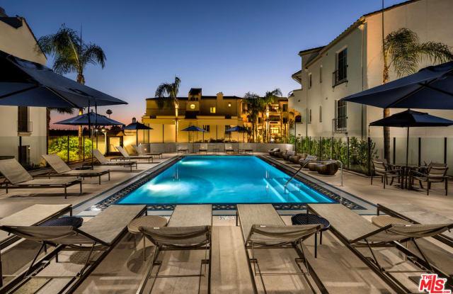 1040 Glendon Ave - 1040 Glendon Avenue, Los Angeles, CA 90024