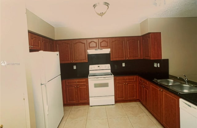 11100 NW 39th St - 11100 NW 39th St, Coral Springs, FL 33065