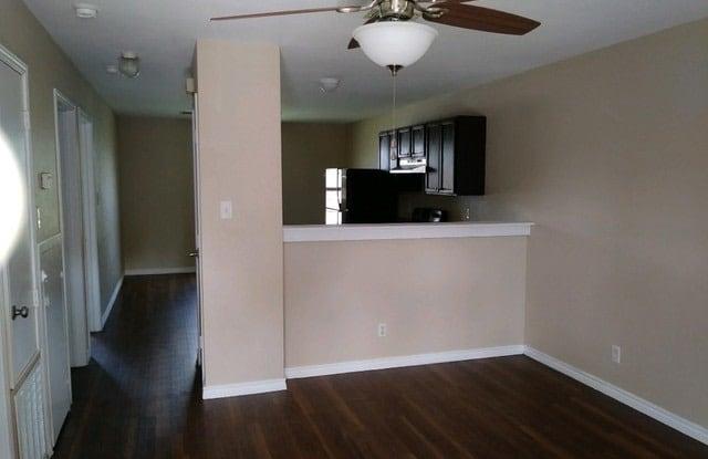 830 W HUTCHINS PL - 830 West Hutchins Place, San Antonio, TX 78221