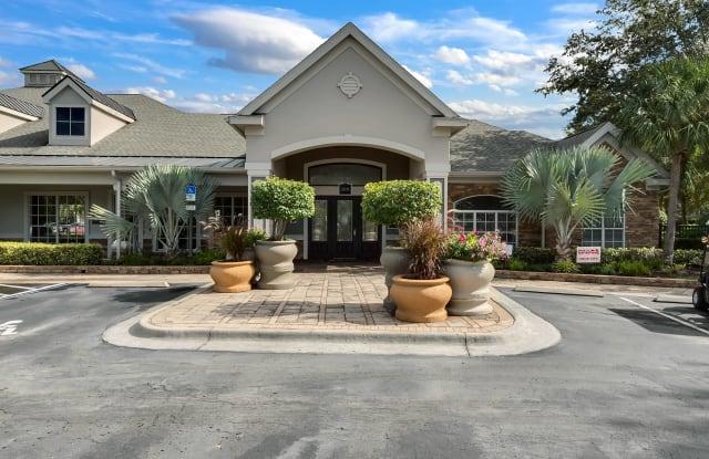 Grandewood Pointe Luxury Apartment Homes - 3701 Grandewood Blvd, Orlando, FL 32837