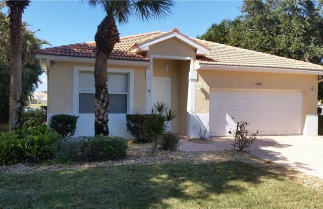 17600 Holly Oak AVE - 17600 Holly Oak Avenue, Three Oaks, FL 33967