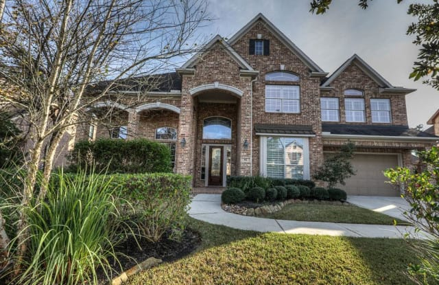 82 W Cove View Trl - 82 West Cove View Trail, The Woodlands, TX 77389