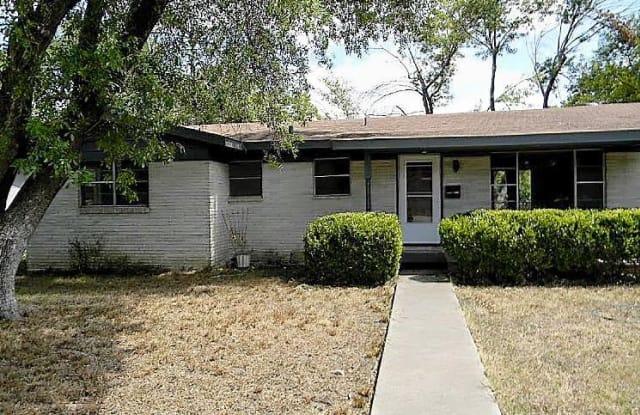793 Perryman St - 793 Perryman Street, New Braunfels, TX 78130