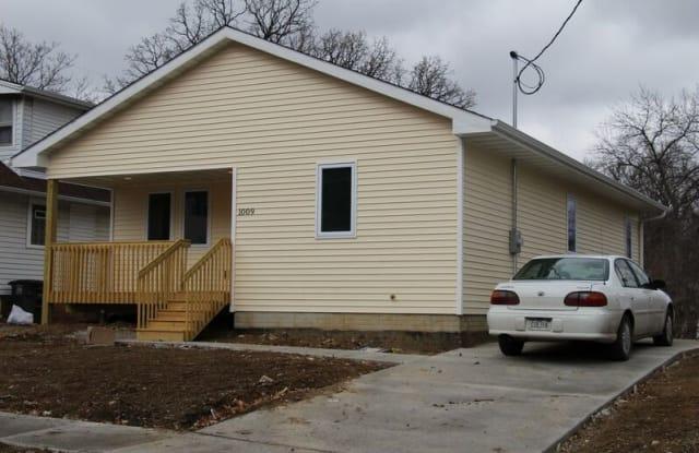 1009 Pleasant View Dr - 1009 Pleasant View Drive, Des Moines, IA 50315
