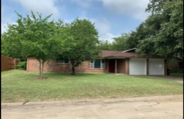 707 N Spears St, Alvarado TX - 707 North Spears Street, Alvarado, TX 76009