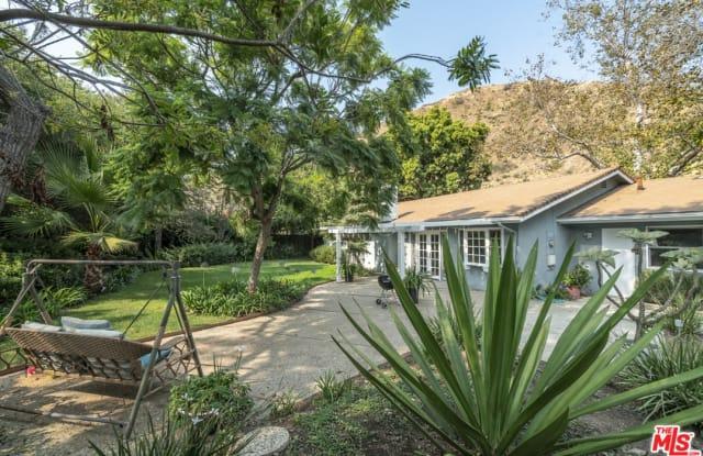5961 Paseo Canyon Dr - 5961 Paseo Canyon Drive, Malibu, CA 90265