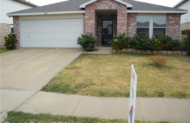 615 Silvertop Road - 615 Silvertop Road, Arlington, TX 76002