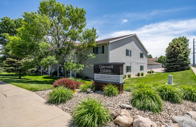 Oakmont Estates - 1301 E Northstar Ln, Sioux Falls, SD 57108