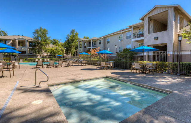 Seven West at the Trails - 14790 SW Scholls Ferry Rd, Beaverton, OR 97007