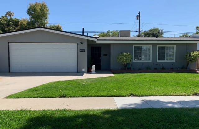 6946 E Espanita St - 6946 E Espanita St, Long Beach, CA 90815
