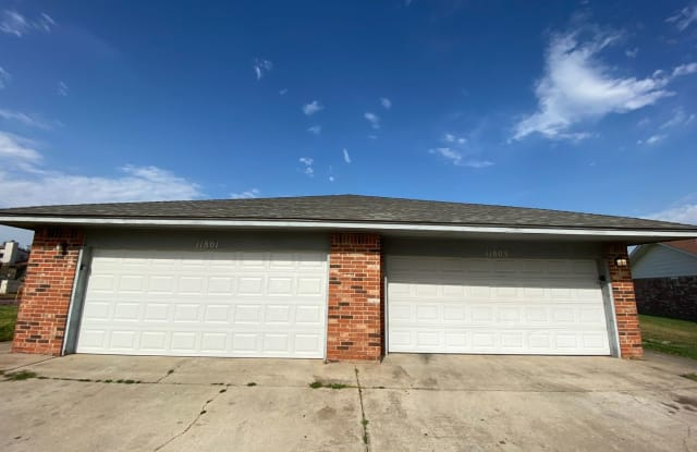 11803 N Francis Avenue - 11803 North Francis Avenue, Oklahoma City, OK 73114