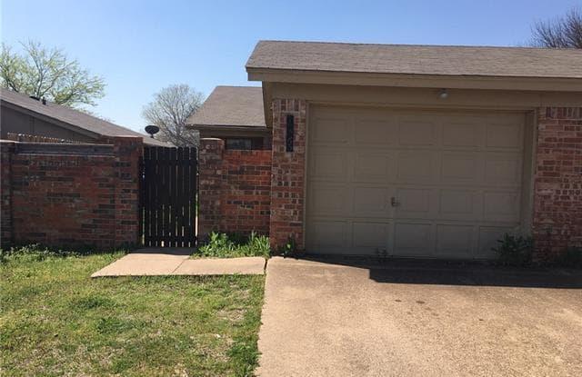 10265 Aurora Drive - 10265 Aurora Drive, Fort Worth, TX 76108