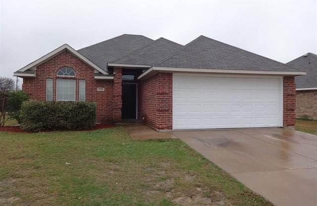 2106 Memphis Street - 2106 Memphis St, Ennis, TX 75119