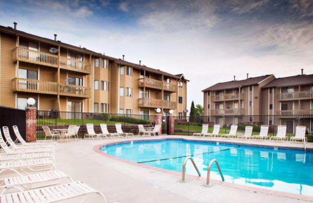 Willow Park by Broadmoor - 9605 Park Dr, Omaha, NE 68127