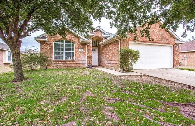 321 Foreston Drive - 321 Foreston Drive, Roanoke, TX 76262