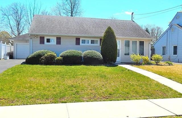 41 Island Street - 41 Island Street, Plainview, NY 11803