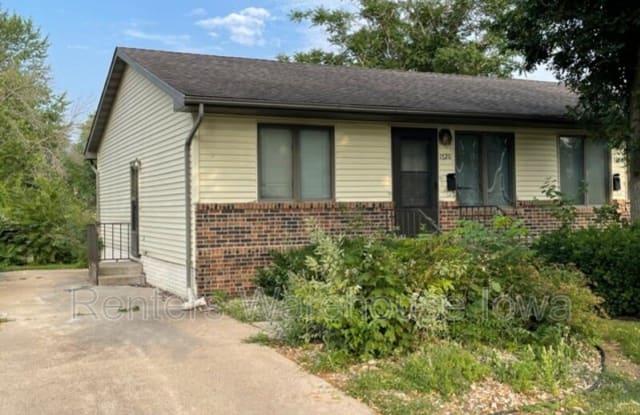1720 Crawford St - 1720 Crawford Street, Boone, IA 50036