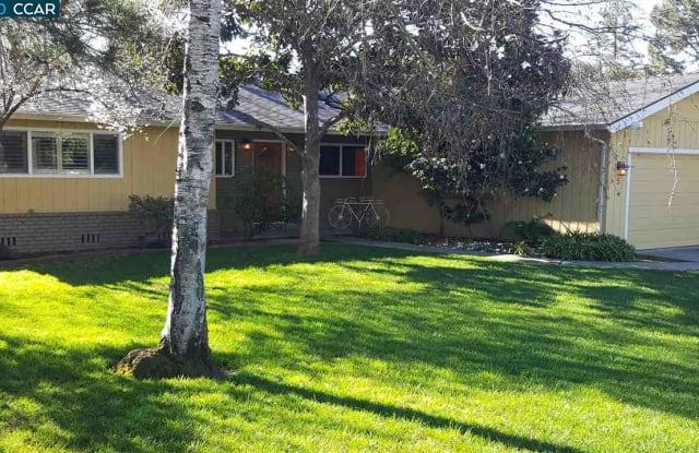 5 THUNE AVE - 5 Thune Avenue, Moraga, CA 94556