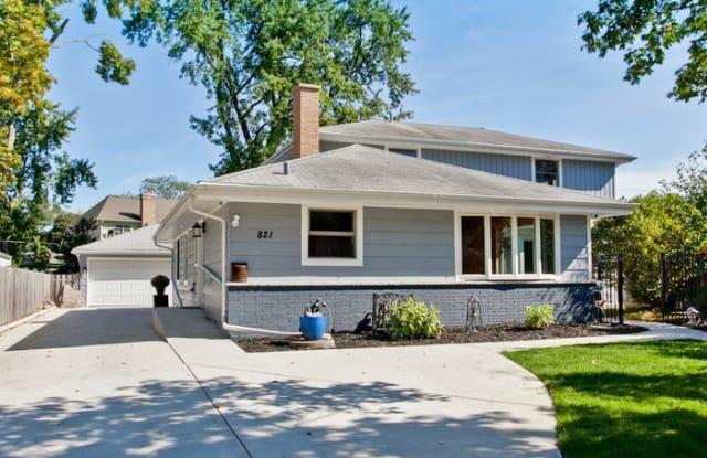821 North Salem Avenue - 821 North Salem Avenue, Arlington Heights, IL 60004
