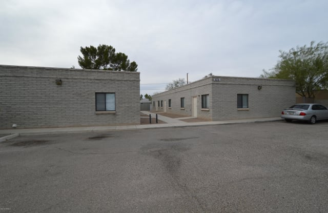 2147 N Isabel Boulevard - 2147 North Isabel Boulevard, Tucson, AZ 85712