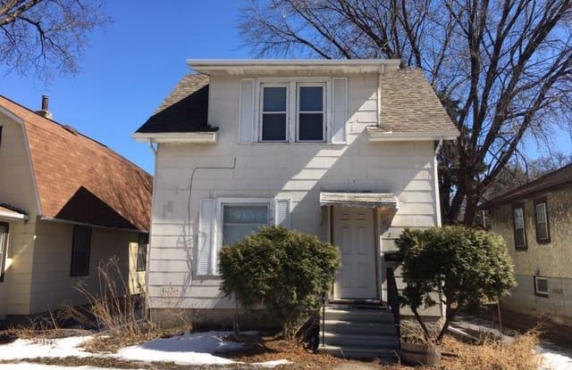1032 26th Ave SE - 1032 Southeast 26th Avenue, Minneapolis, MN 55414