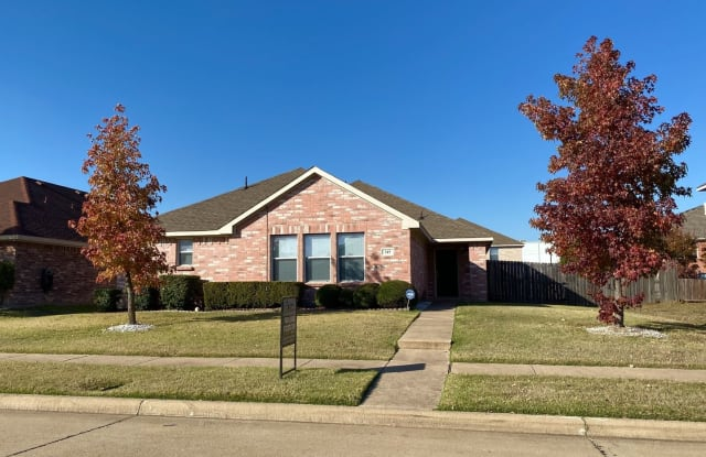 315 Quail Run Road - 315 Quail Run Road, Red Oak, TX 75154