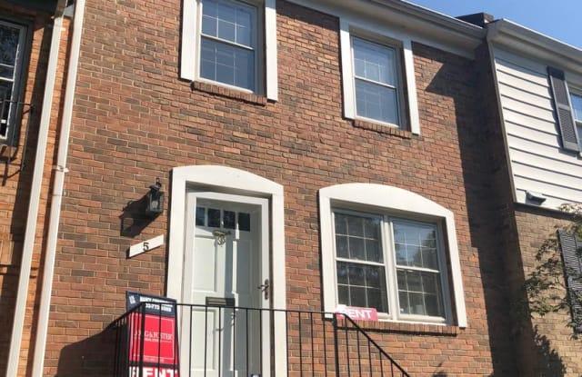 5 W LURAY AVE - 5 West Luray Avenue, Alexandria, VA 22301