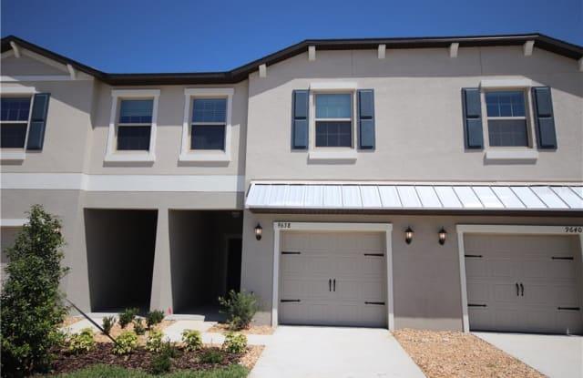 9638 PEMBROOKE PINES DRIVE - 9638 Pembrooke Pines Drive, Sun City Center, FL 33573