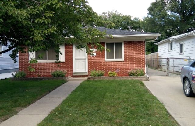 19020 Powers Ave - 19020 Powers Avenue, Dearborn Heights, MI 48125