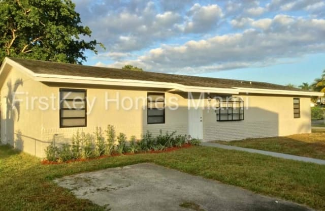 508 Southwest 17th Terrace - 508 Southwest 17th Terrace, Homestead, FL 33030