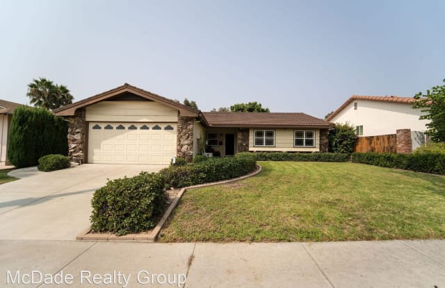 5866 Cowles Mountain Blvd. - 5866 Cowles Mountain Boulevard, La Mesa, CA 91942