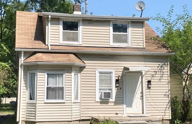 1549 E MADGE Avenue - 1549 East Madge Avenue, Hazel Park, MI 48030