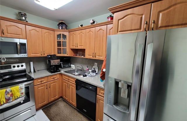 7829 Miller Dr - 7829 Southwest 56th Street, Glenvar Heights, FL 33155