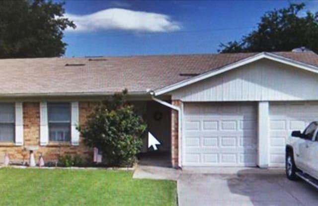 6437 Old Mill Circle - 6437 Old Mill Circle, Watauga, TX 76148
